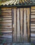 Stajni stary drewniany drzwi Fotografia Royalty Free