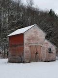 Stajnia w śnieżnej zimie zdjęcia stock