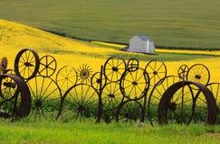 Staket av hjulkanter fotografering för bildbyråer