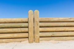 StaketWood Poles Low vägg Royaltyfri Foto