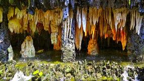 Stalactieten en stalagmieten Royalty-vrije Stock Foto's