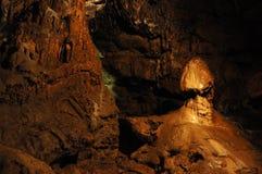 Stalactite do ?cogumelo? na caverna vermelha, Ucrânia foto de stock