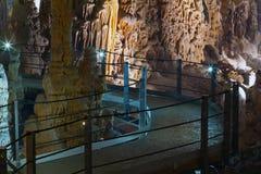 Stalactitehöhle Stockfotos