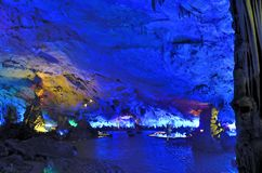 Stalactites de Reed Flute Cave Photographie stock
