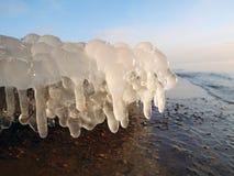 Stalactites del ghiaccio fotografia stock