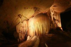Stalactites in der Höhle Stockbilder