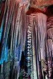 Stalactites na caverna de prata fotografia de stock