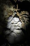 Stalactites in una caverna Fotografie Stock