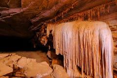 Stalagmieten en stalactieten in het hol Gruta DA Lapa Doce, hol in Iraquara, Chapada Diamantina, Bahia, Brazilië stock fotografie