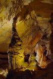 Stalagmits de la torre en gruta Fotos de archivo libres de regalías