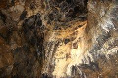 Stalaktit och stalagmit royaltyfria bilder