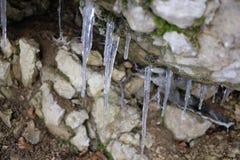 Stalattiti di ghiaccio Fotografie Stock Libere da Diritti