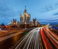 Stalin skyskrapa på den Kotelnicheskaya invallningen Arkivbild