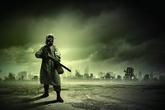Stalker med vapnet Fotografering för Bildbyråer
