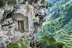 Stall i banan av gudarna Agerola Positano Nocelle arkivbild