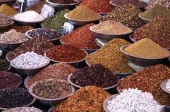 Stalla dei mercati che vende gli ingredienti Fotografia Stock