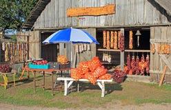 Stalla del mercato degli agricoltori, Kolkja, Estonia Fotografie Stock