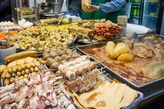 Stalla dell'alimento in via di Hong Kong Immagini Stock
