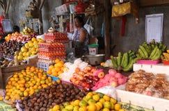 Stalla della frutta nel mercato di balinese immagine stock libera da diritti