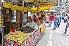 Stalla della frutta, passeggiata di Kasturi, Kuala Lumpur, Malesia Fotografia Stock Libera da Diritti