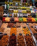Stalla dello spuntino ai mercati Barcellona di Rambla della La immagine stock