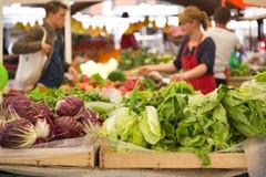 Stalla di verdure del mercato Immagini Stock Libere da Diritti