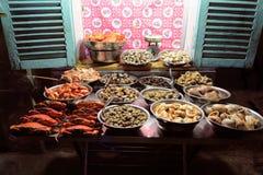 Stalla di via fresca dei frutti di mare in Ho Chi Minh City immagini stock libere da diritti