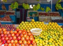 Stalle de fruit dans l'Inde Photos libres de droits