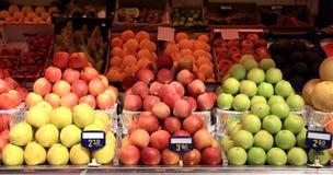 Stalle de marché de pommes Image stock
