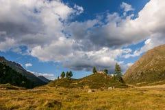 Staller Sattel - bergpasserande mellan Österrike och Italia arkivbilder