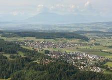 Stallikon, ¼ de Sellenbà ren, pueblo de Bonstetten cerca de Zurich, Switzer imagenes de archivo