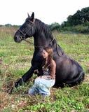 Stallion e teenager felici Immagine Stock Libera da Diritti