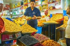 Stallsna av torra frukter i Teheran tusen dollarbasar Arkivfoto