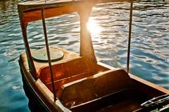 Stalowa łódź w silnym świetle słonecznym Obrazy Royalty Free