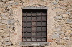 Stalowa siatka i okno Fotografia Royalty Free