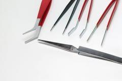 Stalowe pincety dla precyzj elektronika naprawiać Obraz Stock