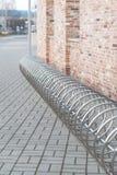 Stalowej chrom spirali parking rowerowy miejsce obraz royalty free