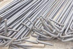 Stalowi prącia lub bary używać wzmacniać beton zdjęcie royalty free