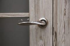 Stalowy drzwi, drewniany podstrzy?enie obraz royalty free
