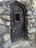 Stalowy lochu drzwi z kłódką Obraz Royalty Free