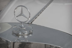 Stalowy logo Mercedez Benz Zdjęcia Stock