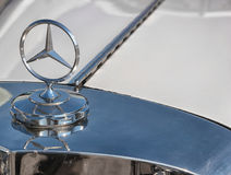 Stalowy logo Mercedez Benz Obraz Stock