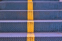 Stalowy schodków kroków tekstury tło Obrazy Royalty Free