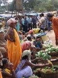 stam- grönsakkvinnor för ny sell arkivfoto