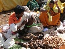 stam- grönsakkvinnor för ny sell royaltyfri bild