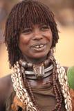 Stam- kvinna i den Omo dalen i Etiopien, Afrika Royaltyfri Foto