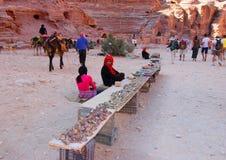 Stam- kvinnaPetra för beduin Arkivfoto