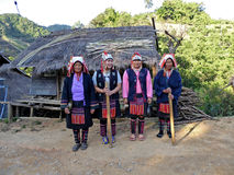 Stam- kvinnor i norden av Thailand Arkivbilder