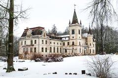 Stameriena slott Gulbene Lettland i vinter Arkivfoton