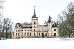 Stameriena slott Gulbene Lettland i vinter Royaltyfri Fotografi